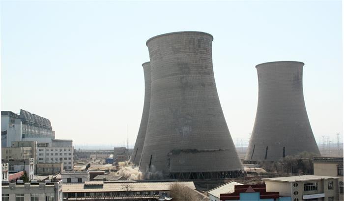 三座90米高冷却塔爆破拆除方法创新